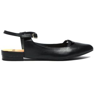 Are Ballet Flats Enclosed Shoes